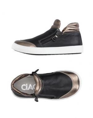 Низкие кеды и кроссовки CIAO. Цвет: черный