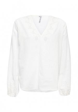 Блуза Care of You. Цвет: белый