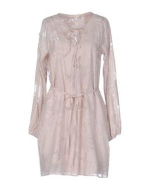 Короткое платье GOLD HAWK. Цвет: голубиный серый