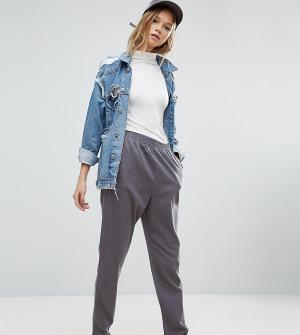 ASOS Tall Суженные книзу брюки-галифе. Цвет: серый