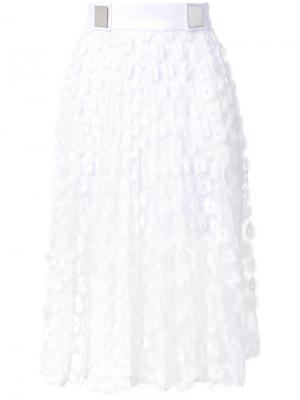 Плиссированная юбка с люверсами Carven. Цвет: белый