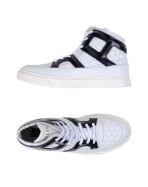 Высокие кеды и кроссовки W DABLIU. Цвет: белый