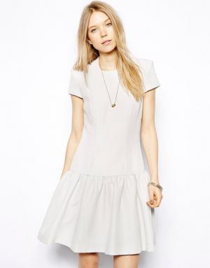 Twenty8Twelve Bечернее платье с заниженной талией и короткими рукавaми. Цвет: бежевый
