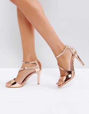 Little Mistress Босоножки на каблуке с перекрестными ремешками. Цвет: медный