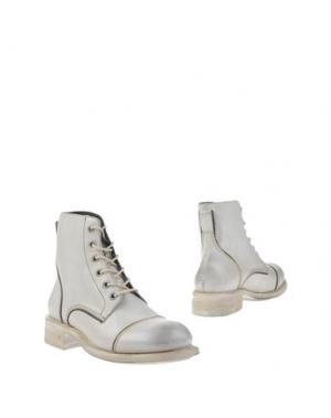Полусапоги и высокие ботинки JOHN VARVATOS. Цвет: слоновая кость