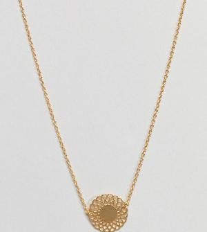 ASOS Ожерелье из позолоченного серебра с филигранной подвеской-диском. Цвет: золотой