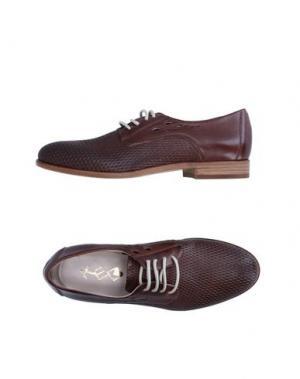 Обувь на шнурках KEB. Цвет: коричневый