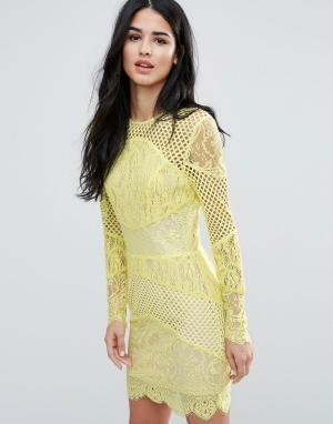 Forever Unique Кружевное облегающее платье мини со вставками. Цвет: желтый