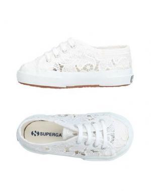 Низкие кеды и кроссовки SUPERGA®. Цвет: белый