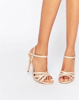 Head Over Heels Светло-бежевые сандалии на каблуке со змеиным эффектом. Цвет: бежевый