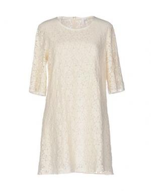 Короткое платье AGLINI. Цвет: слоновая кость