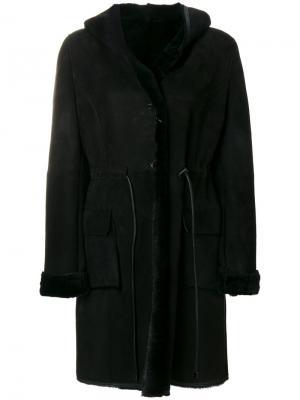 Пальто с капюшоном Liska. Цвет: чёрный