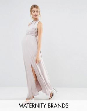 Little Mistress Maternity Платье макси с оборкой для беременных. Цвет: бежевый