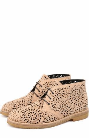 Замшевые ботинки с перфорацией Alaia. Цвет: бежевый