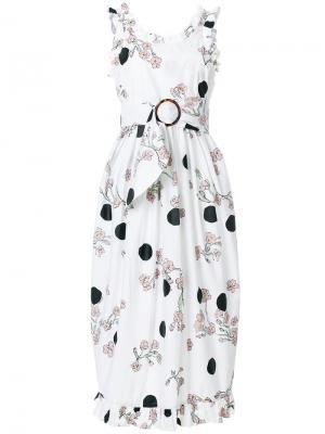 Платье с рюшами и цветочным принтом Isa Arfen. Цвет: белый