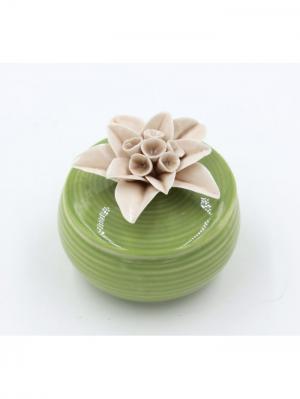 Шкатулка декоративная зеленая с кофейным цветком из фарфора для украшений, 6.5х6х6см. Magic Home. Цвет: зеленый