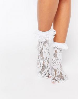 Leg Avenue Кружевные носки с оборками. Цвет: белый