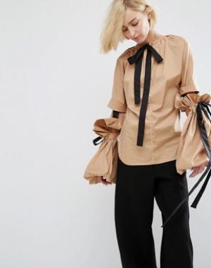Style Mafia Топ с объемными рукавами Zillah. Цвет: коричневый