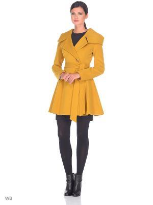 Пальто FLI.RT. Цвет: горчичный