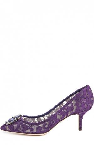 Кружевные туфли Rainbow Lace с брошью Dolce & Gabbana. Цвет: фиолетовый