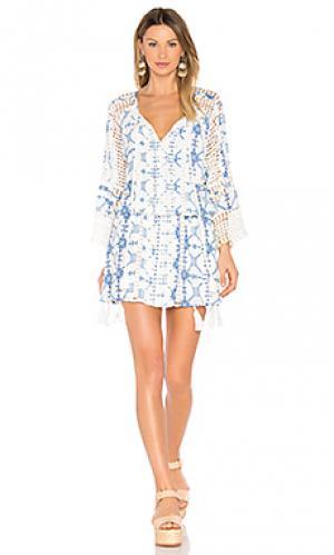 Шелковое платье с кисточками THURLEY. Цвет: белый