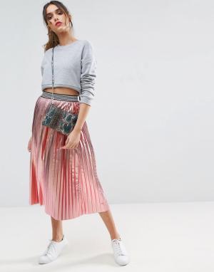 ASOS Плиссированная юбка металлик со спортивным поясом. Цвет: розовый