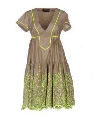 Короткое платье MANUEL LUCIANO. Цвет: хаки