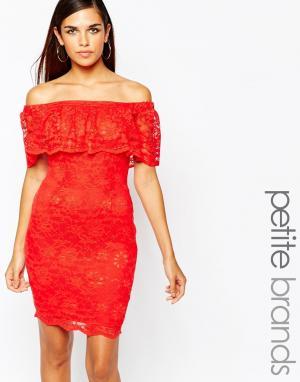 Lipstick Boutique Petite Двухслойное облегающее платье с открытыми плечами Pe. Цвет: красный
