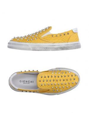 Низкие кеды и кроссовки GIENCHI. Цвет: желтый
