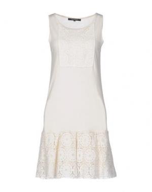 Короткое платье TARA JARMON. Цвет: слоновая кость