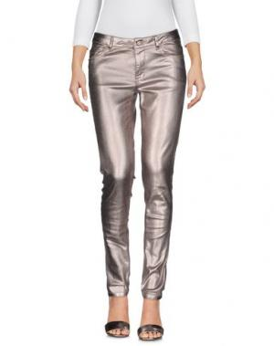Джинсовые брюки INTROPIA. Цвет: серебристый