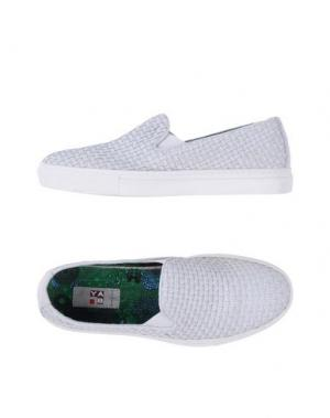 Низкие кеды и кроссовки YAB. Цвет: белый