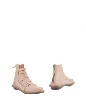 Полусапоги и высокие ботинки TRIPPEN. Цвет: бежевый