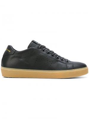 Кроссовки с перфорированным логотипом Leather Crown. Цвет: чёрный