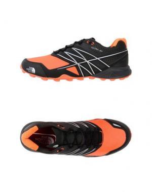 Низкие кеды и кроссовки THE NORTH FACE. Цвет: оранжевый