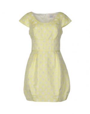 Короткое платье MUSANI COUTURE. Цвет: желтый