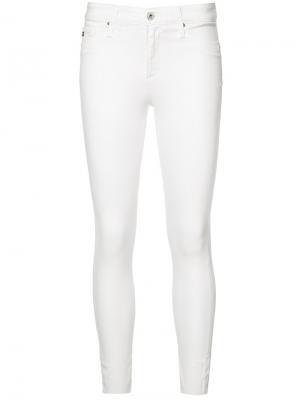 Укороченные джинсы кроя скинни Ag Jeans. Цвет: белый