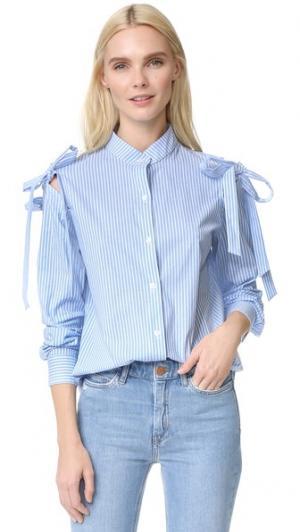 Рубашка с открытыми плечами и бантом Clu. Цвет: голубая полоска