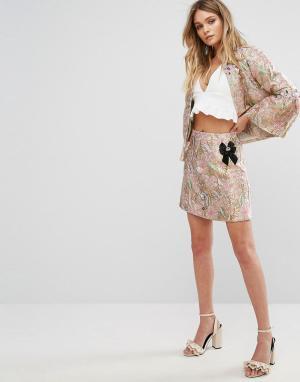 River Island Жаккардовая юбка металлик с брошью. Цвет: мульти