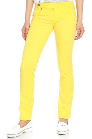 Джинсы Versace. Цвет: желтый