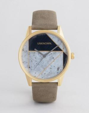 UNKNOWN Часы с геометрическим принтом и кожаным ремешком Urban. Цвет: серый