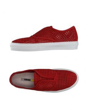 Низкие кеды и кроссовки MANAS. Цвет: красный