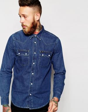 Lee Джинсовая рубашка классического кроя в стиле вестерн. Цвет: синий
