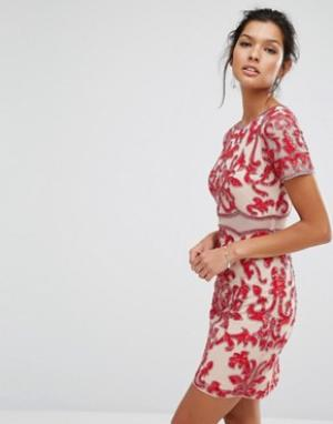 Frock and Frill Декорированное платье с короткими рукавами. Цвет: красный