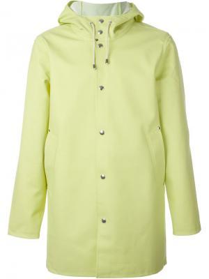 Пальто с капюшоном Stutterheim. Цвет: жёлтый и оранжевый