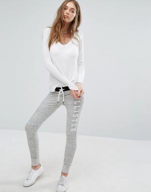 Hollister Спортивные брюки скинни с логотипом на поясе. Цвет: серый