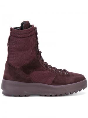 Сапоги  в стиле милитари со шнуровкой Yeezy. Цвет: розовый и фиолетовый