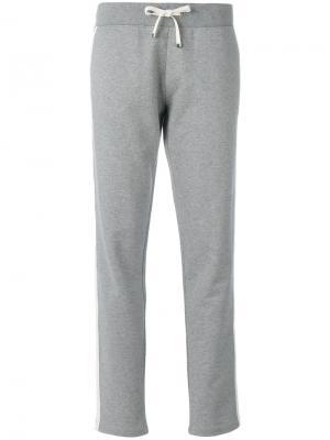 Спортивные штаны с контрастной окантовкой Moncler. Цвет: серый
