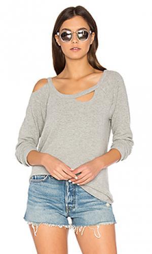 Рваный пуловер с рукавами-реглан Chaser. Цвет: серый