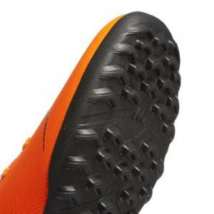Футбольные бутсы для игры на газоне  MercurialX Vapor XII Club Nike. Цвет: оранжевый